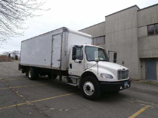 2010 Freightliner M2 Box Van Truck