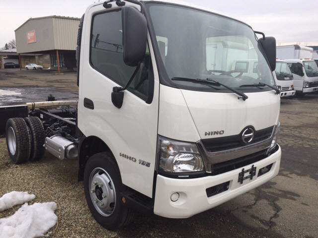 2018 HINO 195 Cab Chassis Truck
