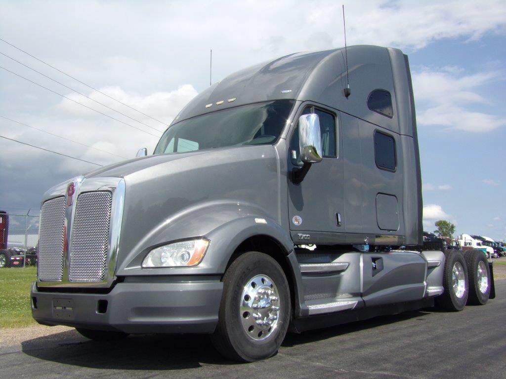 2012 Kenworth T700 MN329272