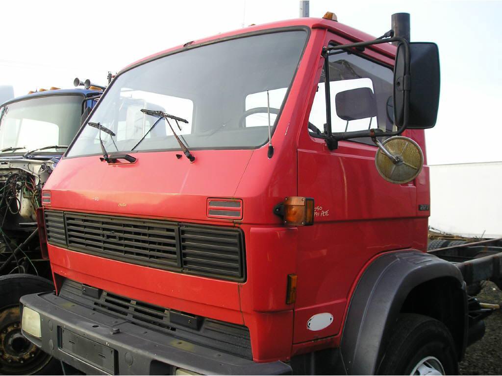 1991 Peterbilt CAB ONLY