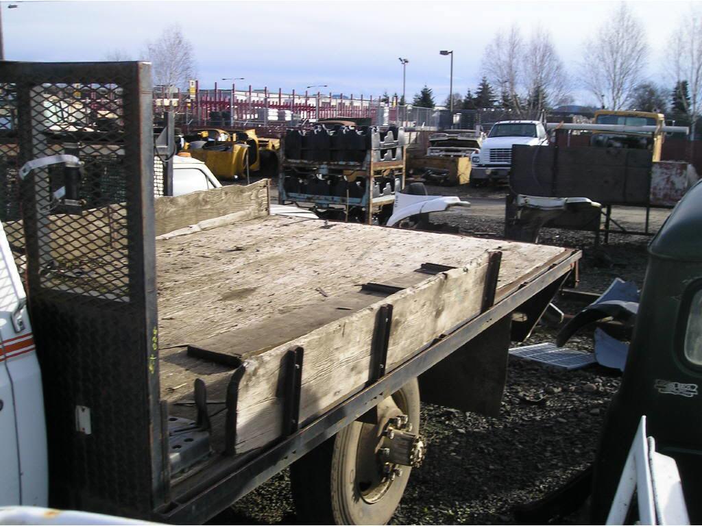Freightliner 14ft Flatbed