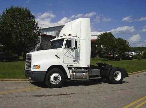1999 Freightliner FLD11242ST