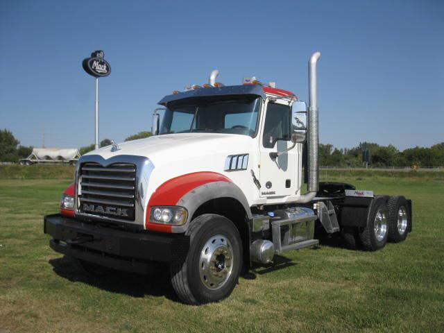 2012 Mack GU713