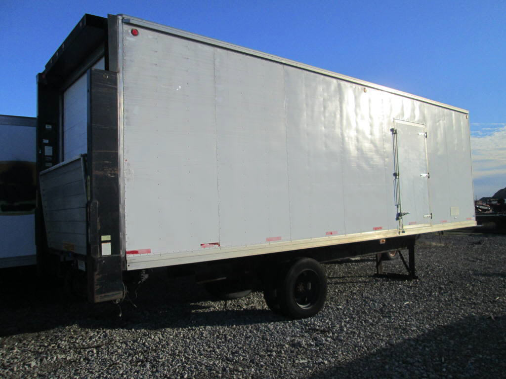 2000 Capital 28' Reefer