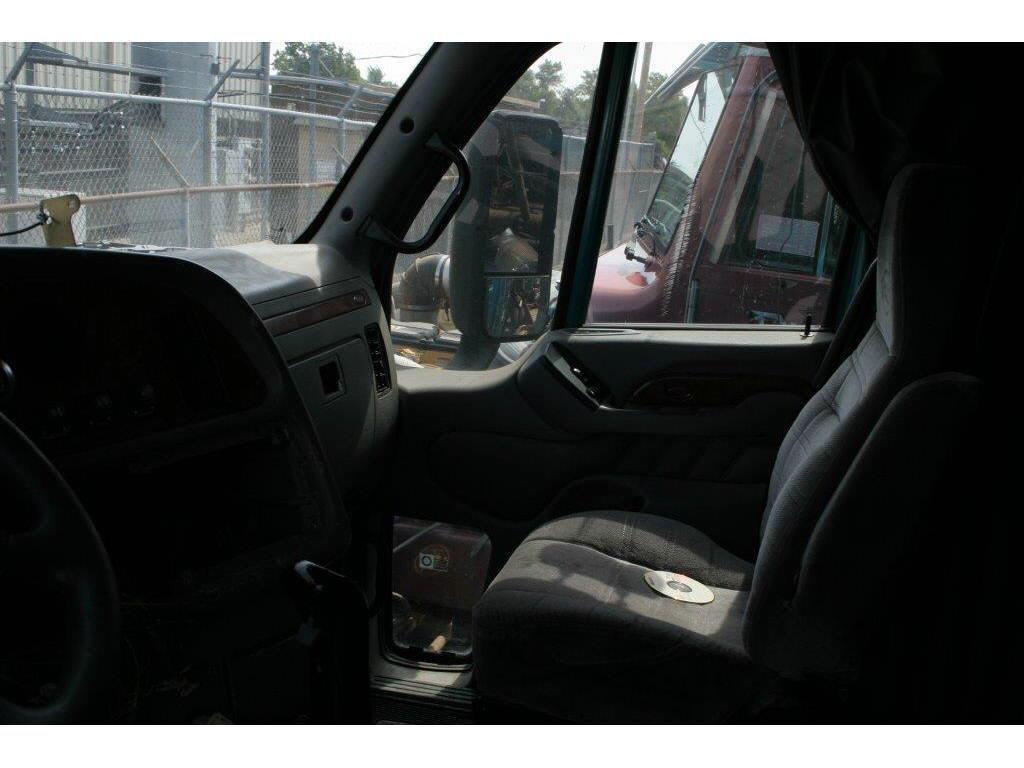2003 Peterbilt 387