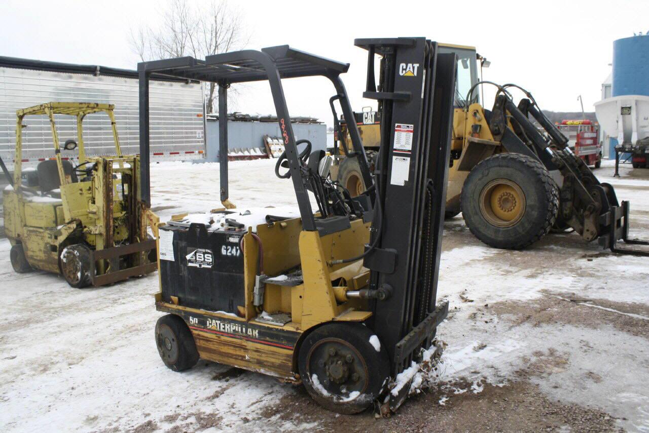 2001 Caterpillar 2EC25E Forklift