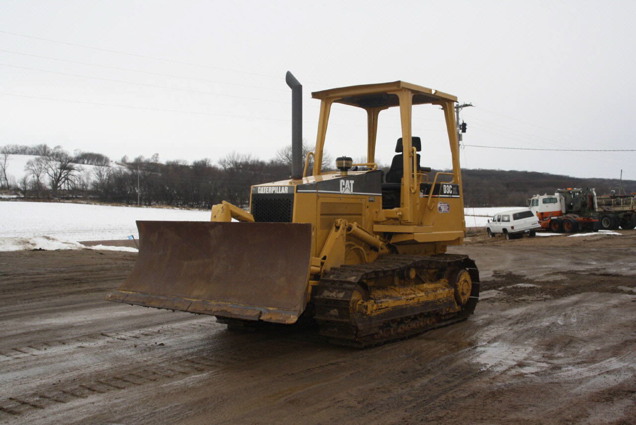1998 Caterpillar D3C XL
