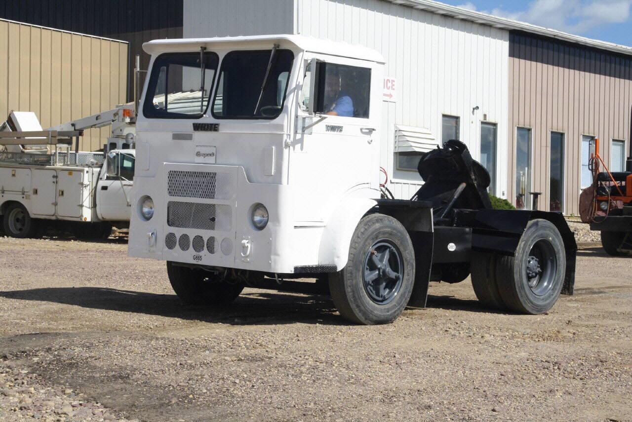 White-GMC 6064T-06