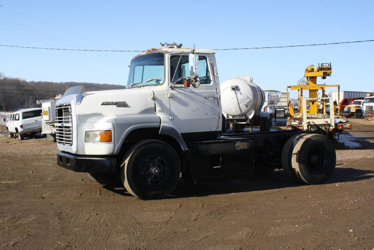 Ford L9000 With Sleeper