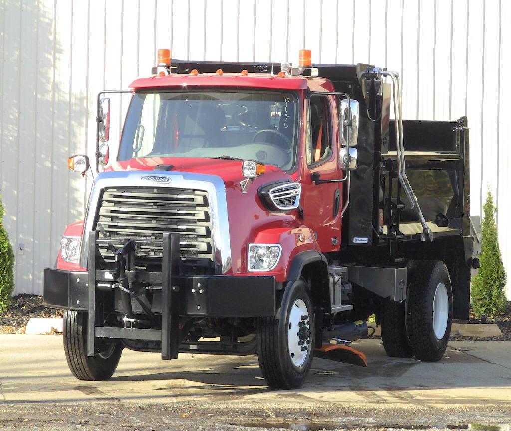 2017 Freightliner 108SD
