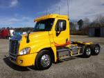 Used 2010 Freightliner CA125 for Sale