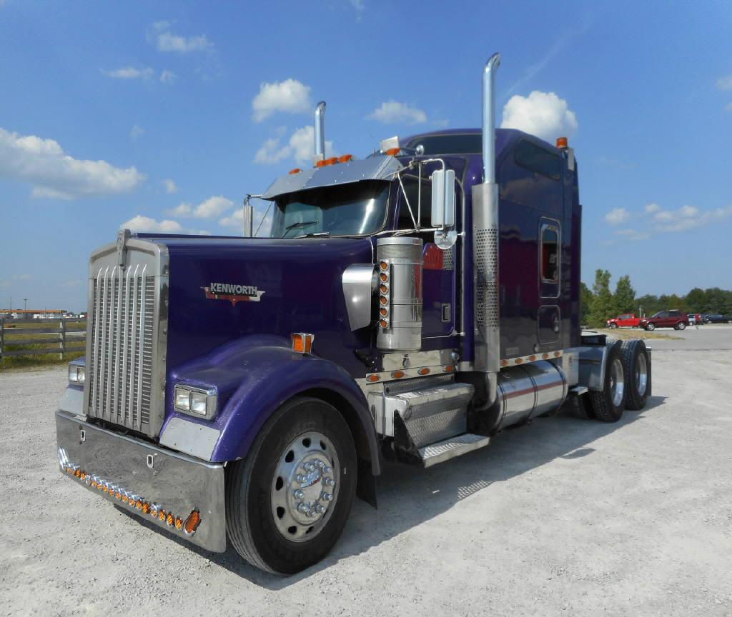 2001 Kenworth W900L