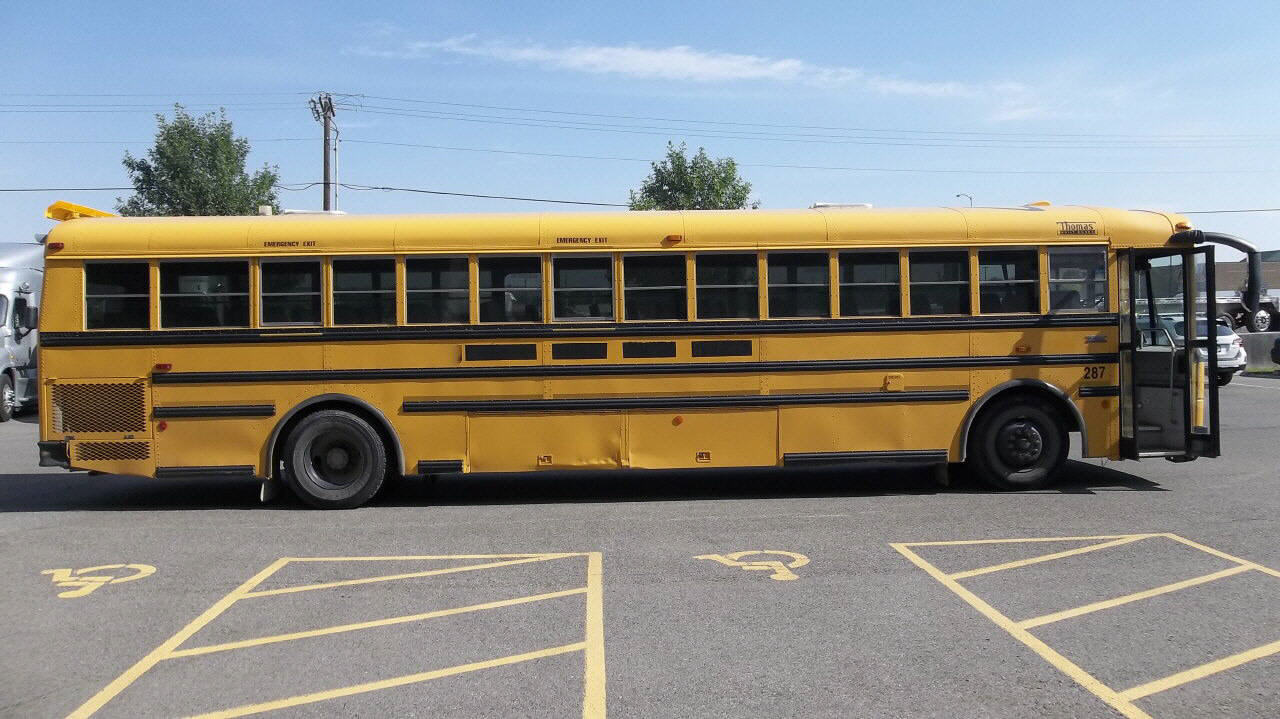 2004 Thomas SCHOOL BUS