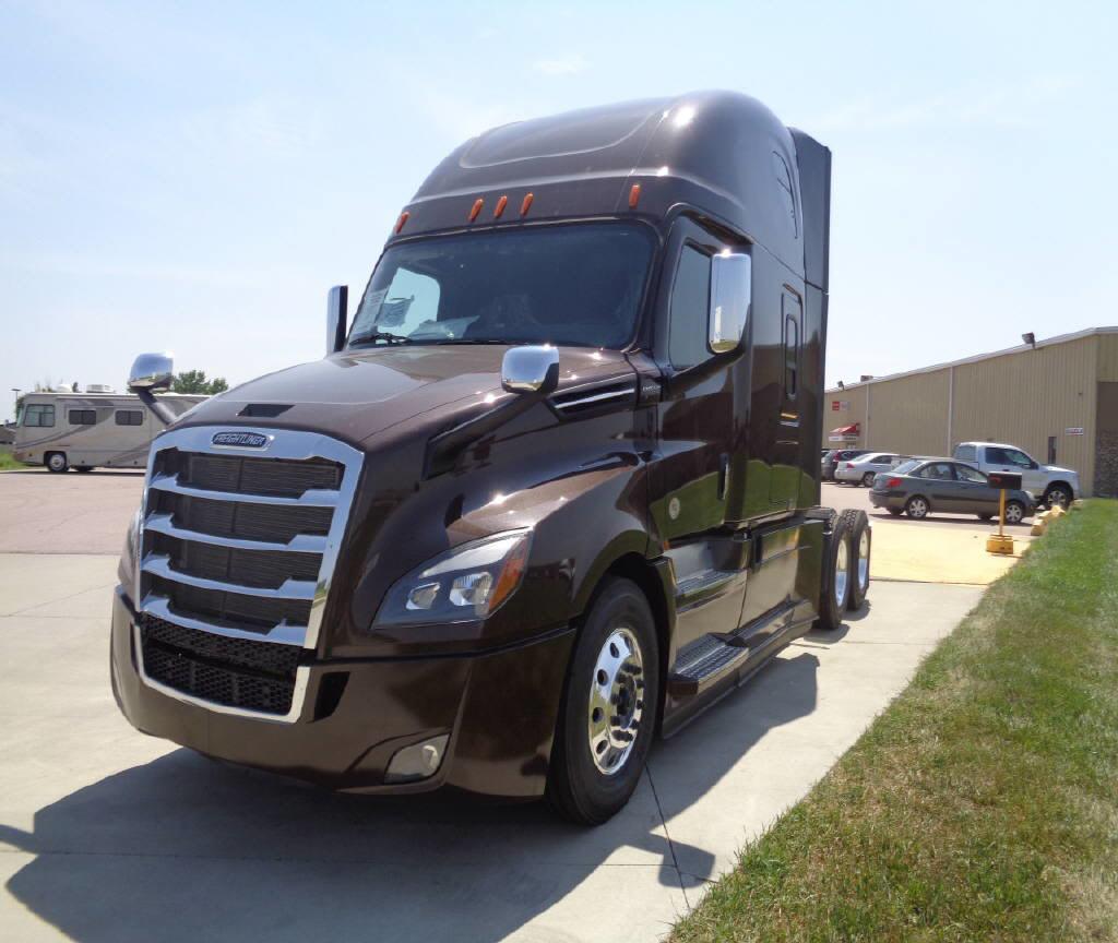 2018 Freightliner PT126SLP