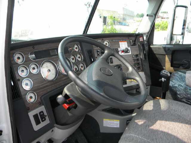 2013 Freightliner Coronado SD