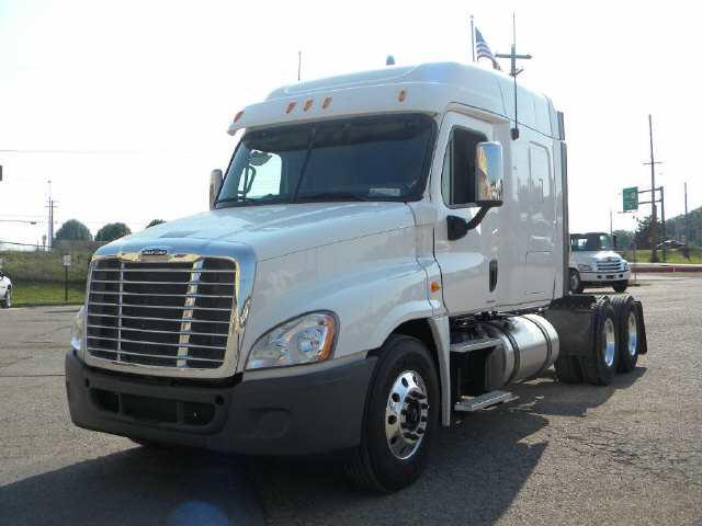 "2012 Freightliner Cascadia 125"""