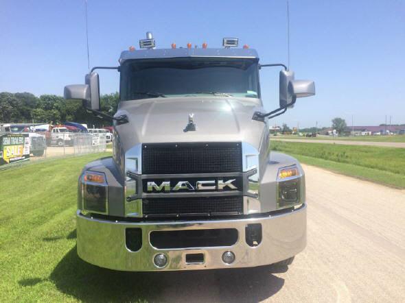 2020 Mack Anthem 64T 48