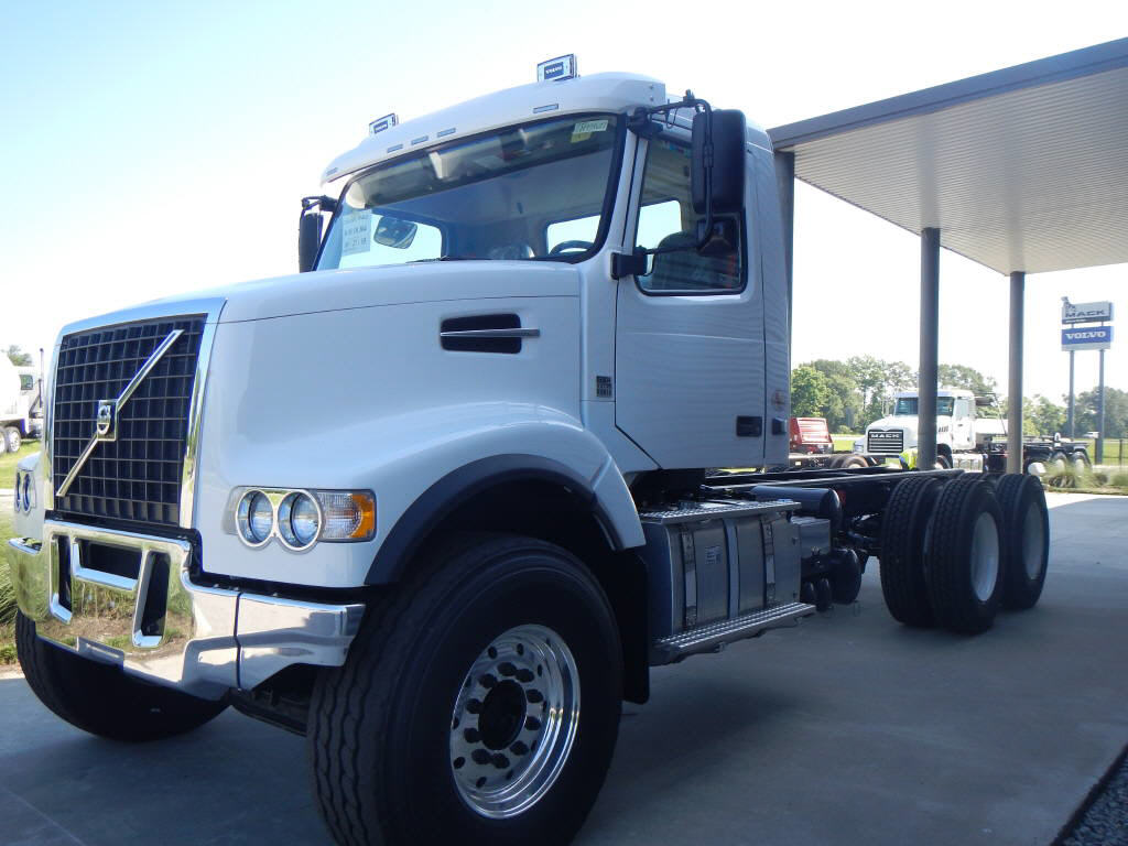New 2016 Volvo VHD for Sale