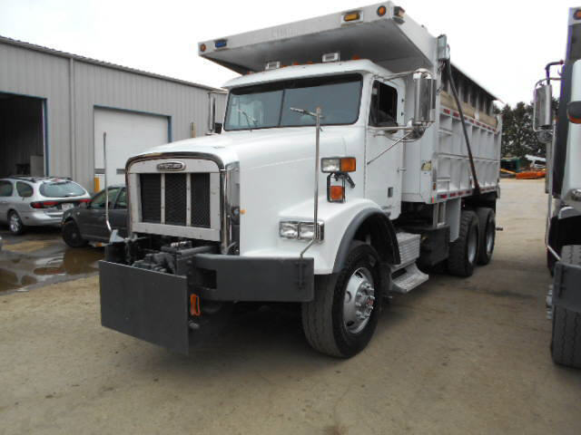 2001 Freightliner FL112 for sale-59107920