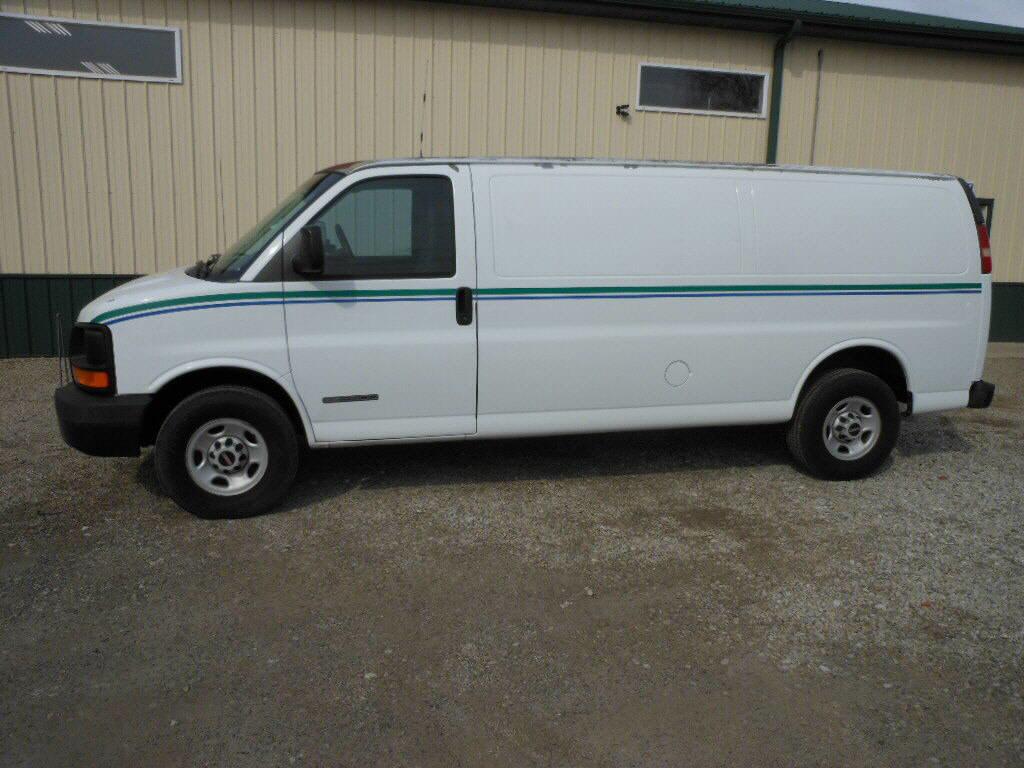 2006 GMC G2500