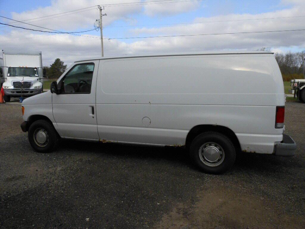 2001 Ford E150