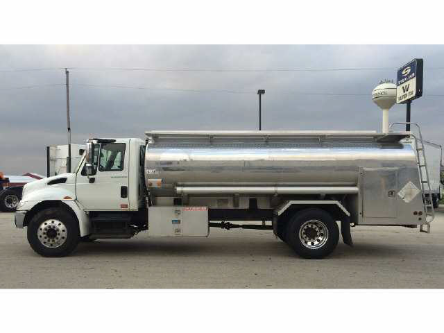 Used 2003 International 4400 for Sale