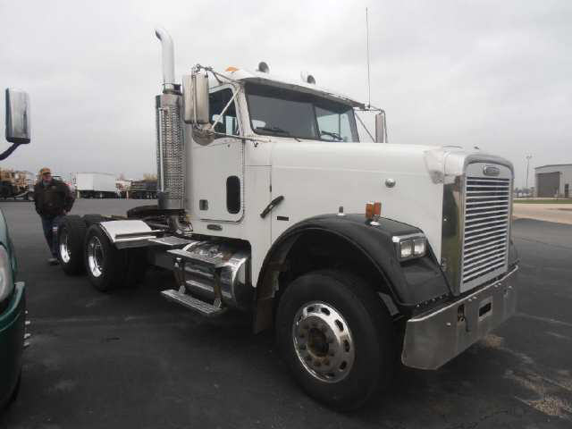 Used 2007 Freightliner FLD12064T for Sale