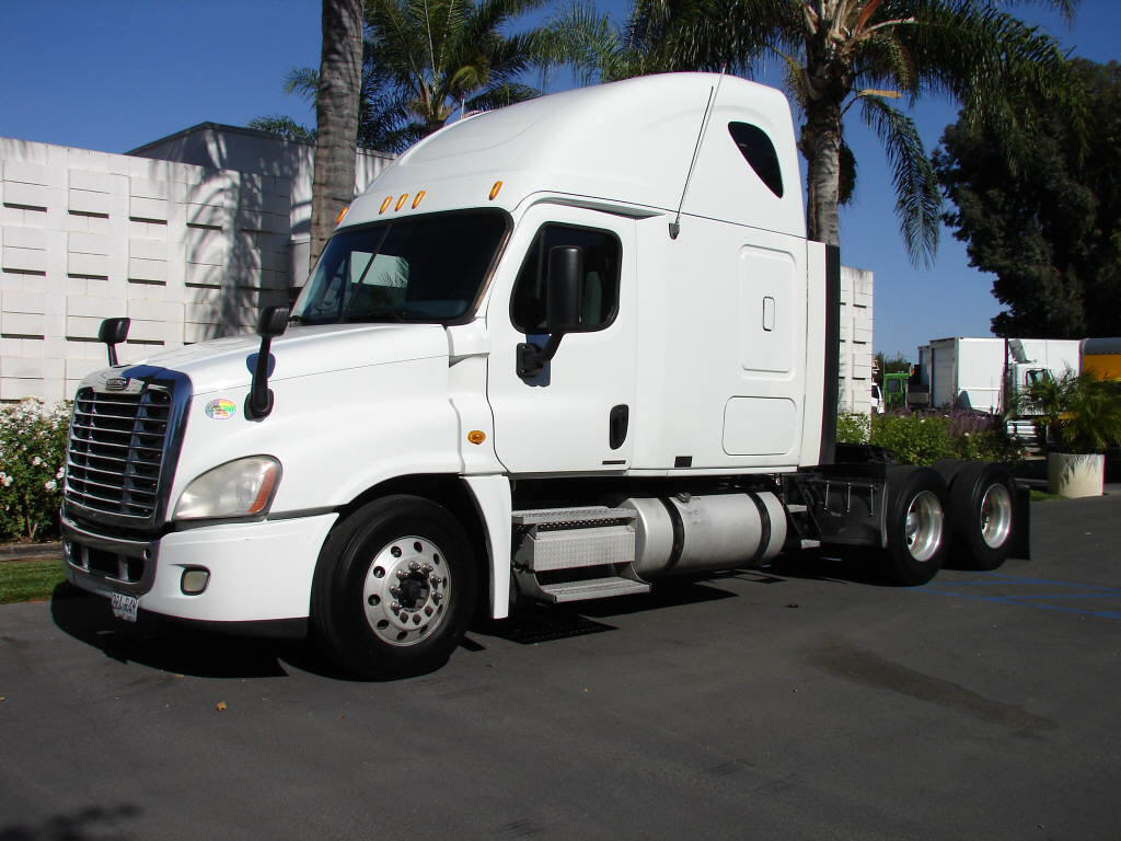 2010 Freightliner CASCADIA CA125S