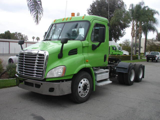 2010 Freightliner CASCADIA 3 AXLE