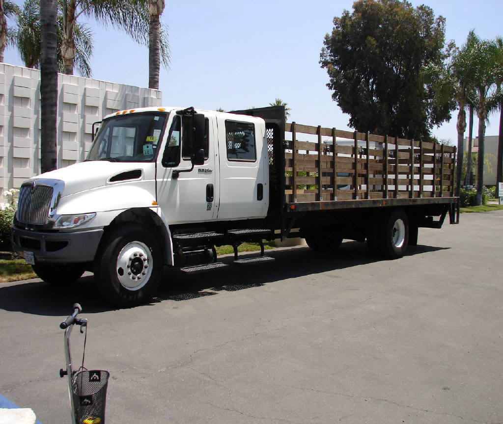 2013 International 4300 CREWCAB 24