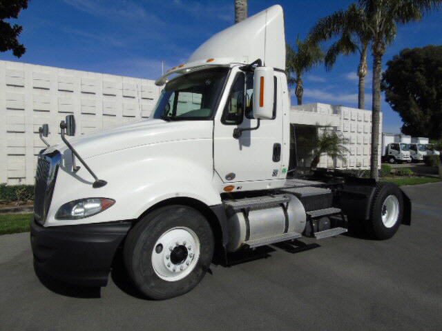 2011 International PROSTAR 2AXLE T