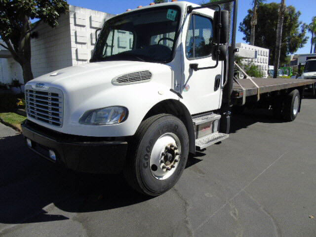 2013 Freightliner M2 24' STAKE BE