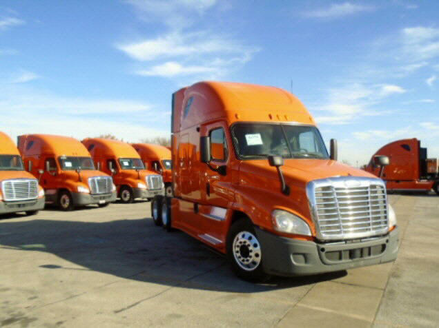 USED 2013 FREIGHTLINER CASCADIA DAYCAB TRUCK #105162