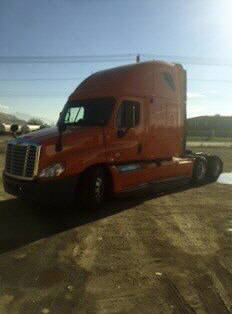 USED 2012 FREIGHTLINER CASCADIA SLEEPER TRUCK #54568
