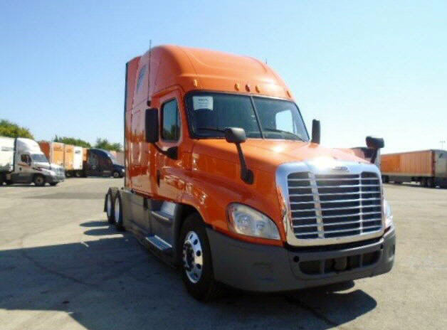 USED 2013 FREIGHTLINER CASCADIA DAYCAB TRUCK #94256