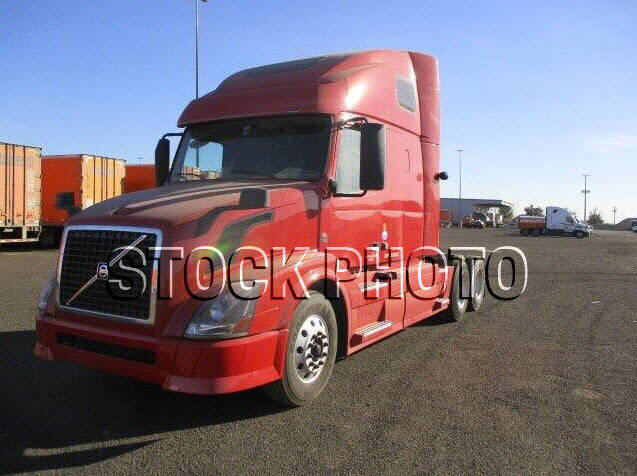 USED 2014 VOLVO 670 SLEEPER TRUCK #104109