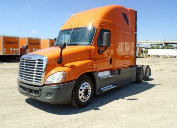 USED 2014 FREIGHTLINER CASCADIA SLEEPER TRUCK #118352