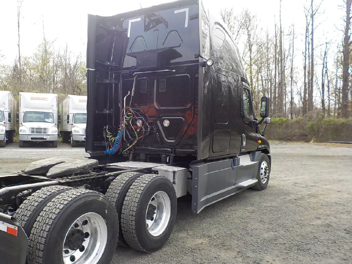 2015 Freightliner Cascadia EVO for sale-59255793