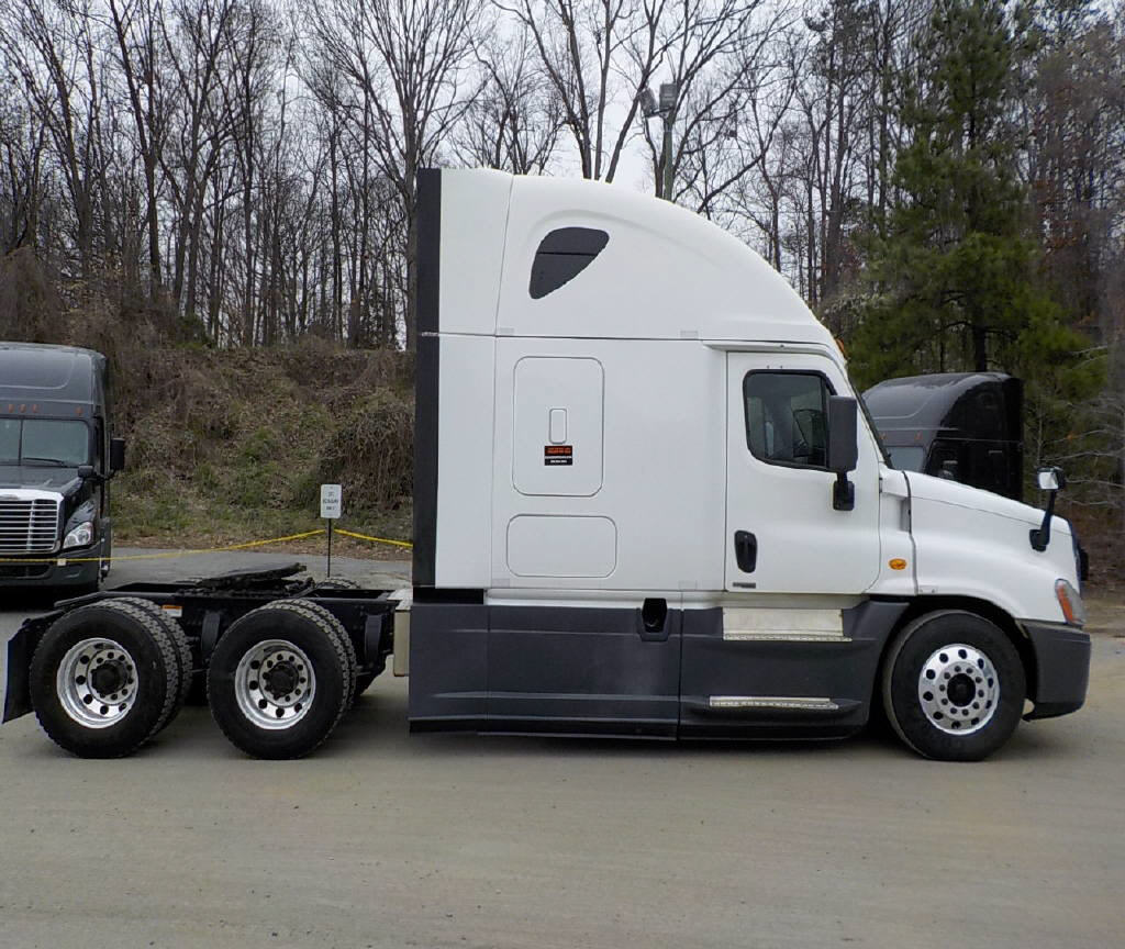 2014 Freightliner Cascadia for sale-59108228