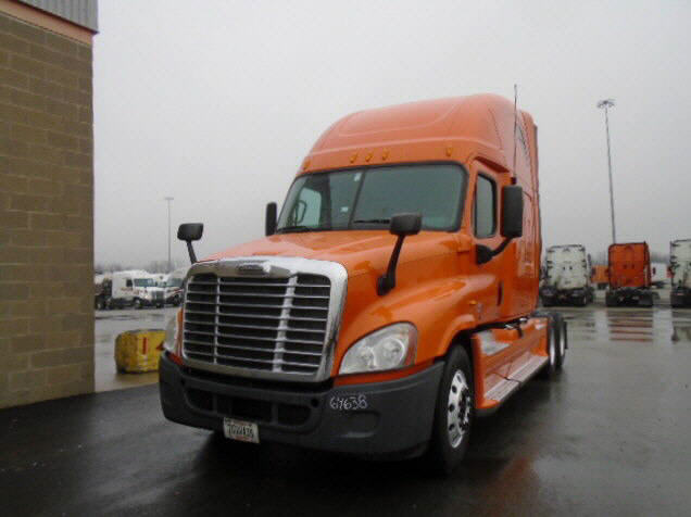 USED 2012 FREIGHTLINER CASCADIA SLEEPER TRUCK #77201