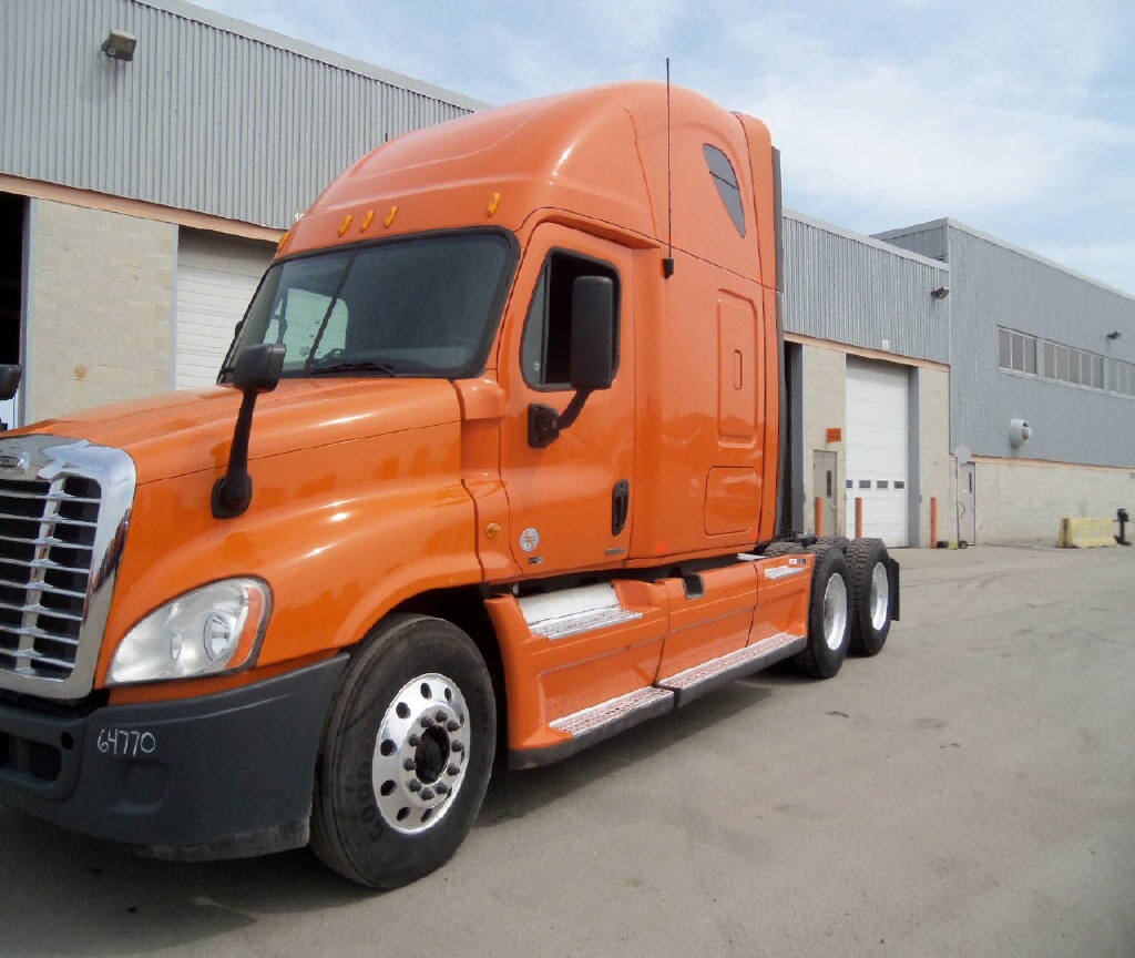 USED 2012 FREIGHTLINER CASCADIA SLEEPER TRUCK #81854