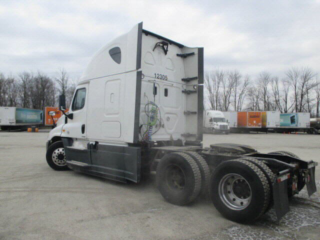 2014 Freightliner Cascadia for sale-59108273