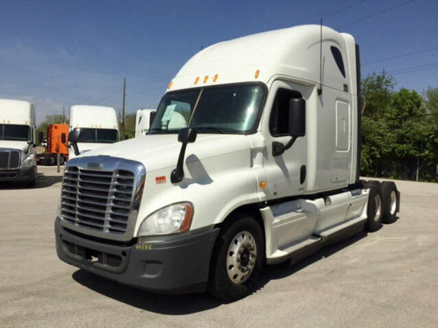 USED 2012 FREIGHTLINER CASCADIA SLEEPER TRUCK #77213