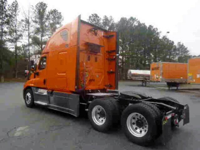 2014 Freightliner Cascadia for sale-55355611