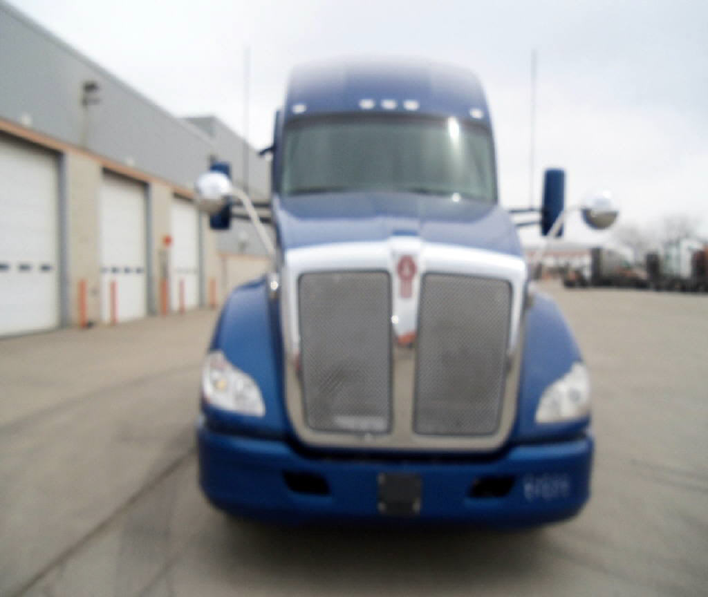 USED 2015 KENWORTH T680 SLEEPER TRUCK #118091