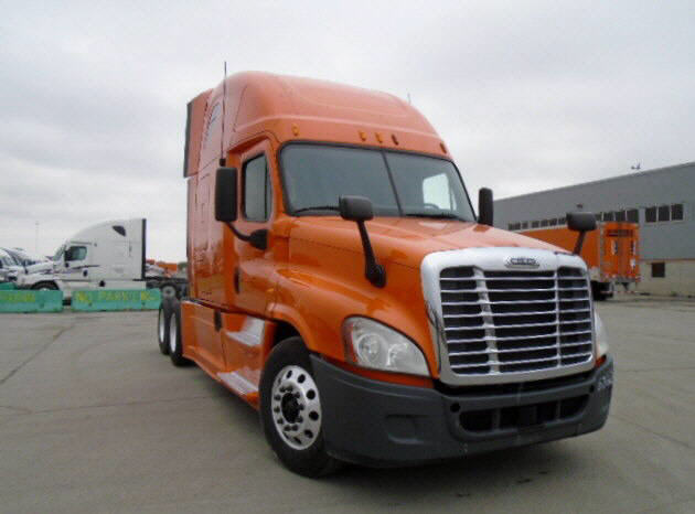USED 2013 FREIGHTLINER CASCADIA DAYCAB TRUCK #84204