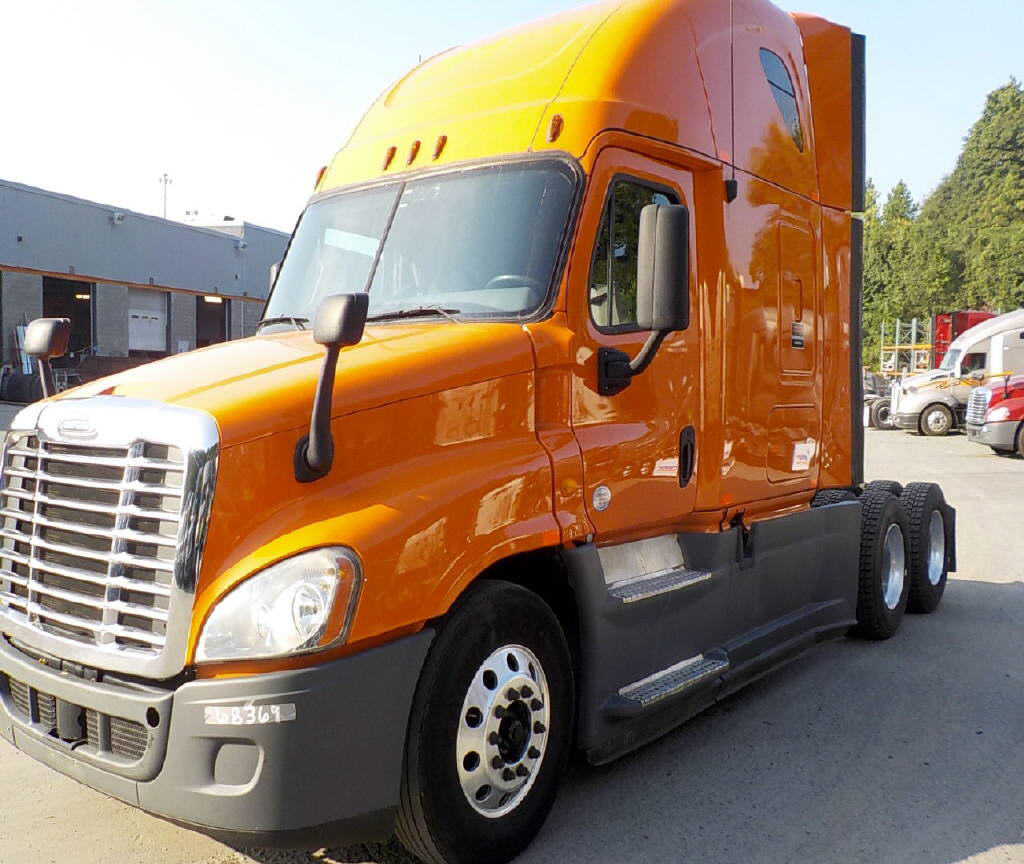 USED 2013 FREIGHTLINER CASCADIA SLEEPER TRUCK #92853