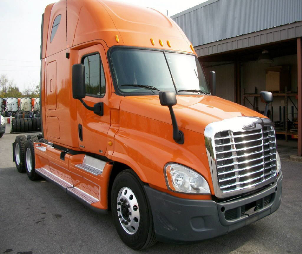 USED 2012 FREIGHTLINER CASCADIA SLEEPER TRUCK #52999