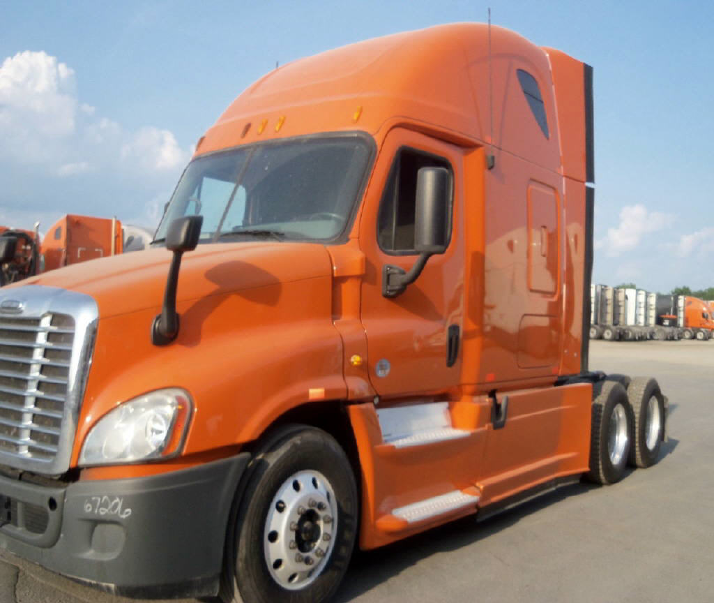 USED 2013 FREIGHTLINER CASCADIA DAYCAB TRUCK #86397