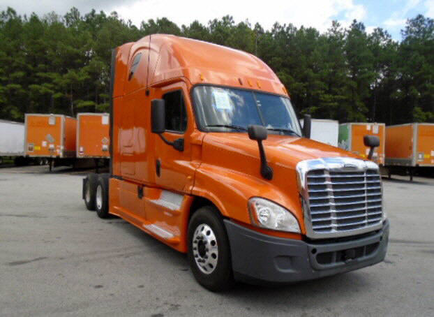 USED 2013 FREIGHTLINER CASCADIA SLEEPER TRUCK #94224